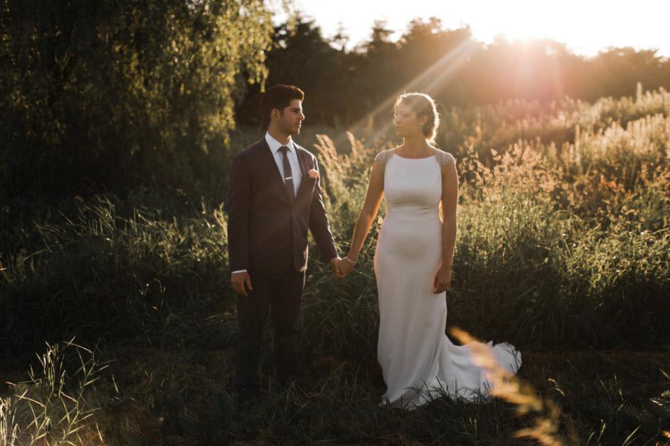 gorden hour bride and groom