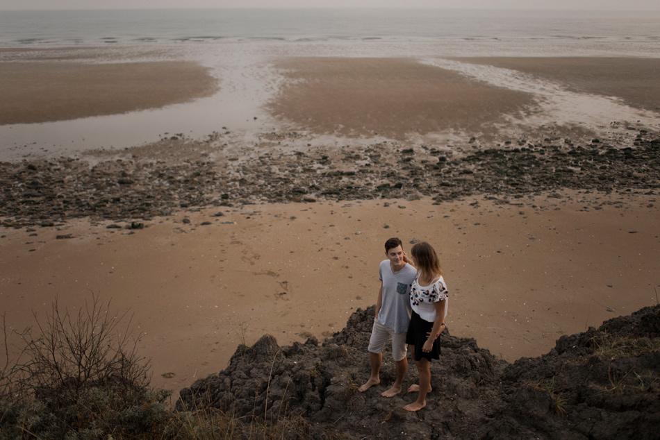 couple sur la falaise