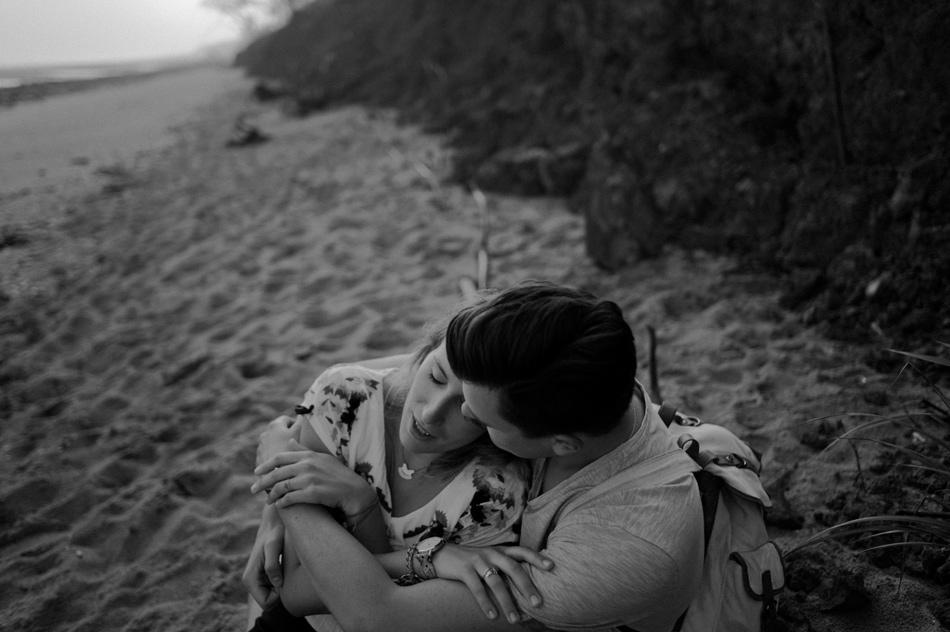 couple sur une plage normande
