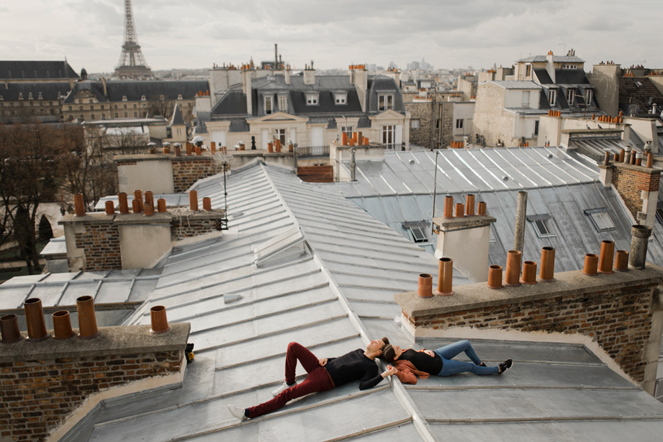 couple rooftop Paris