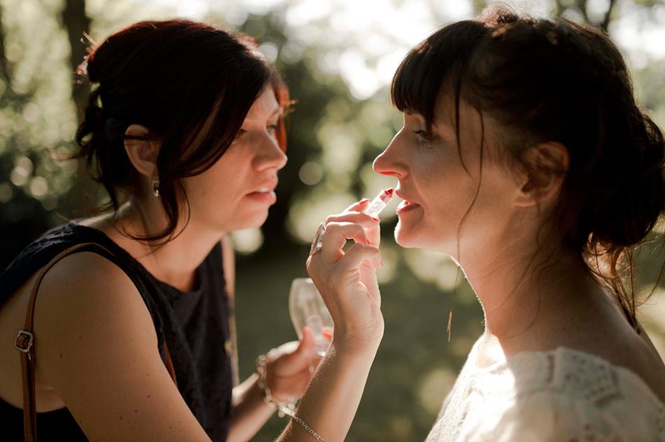 retouches maquillage de la mariée