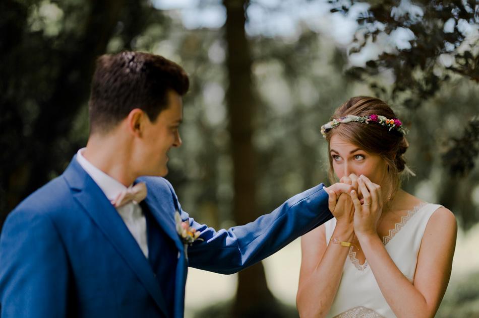 baise main de la mariée