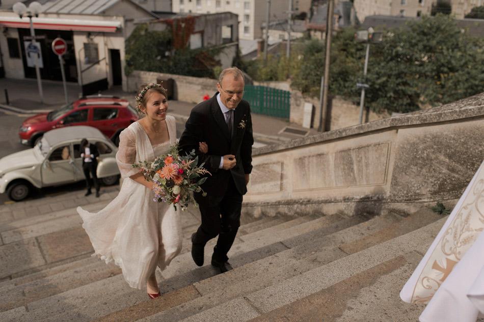 entrée de la mariée au bras de son père