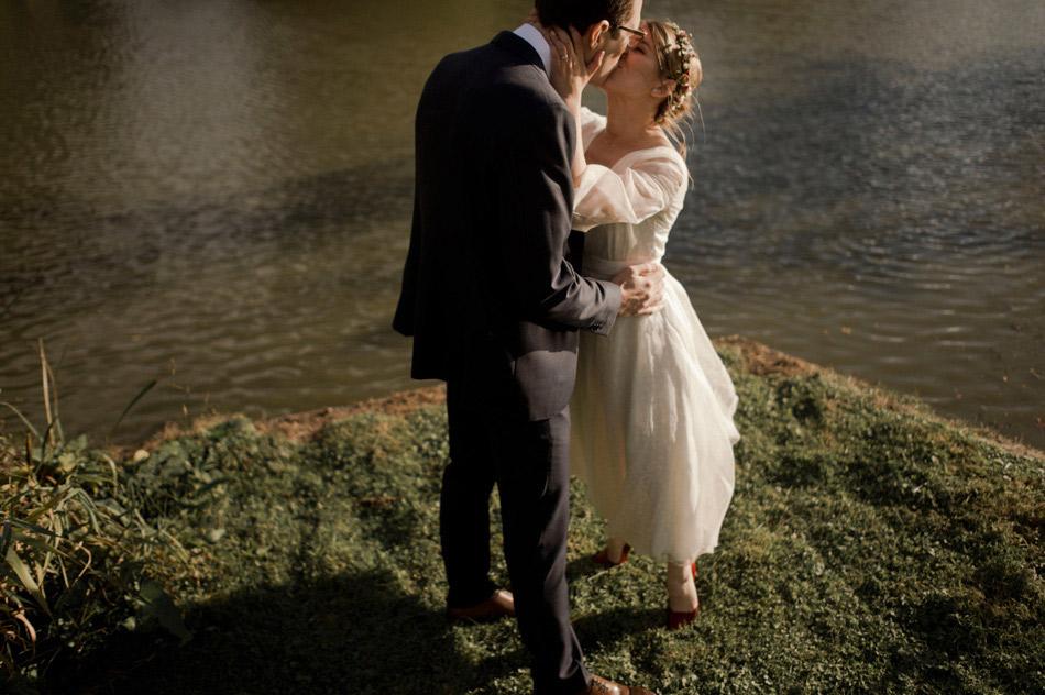 photos de couple mariage automnal