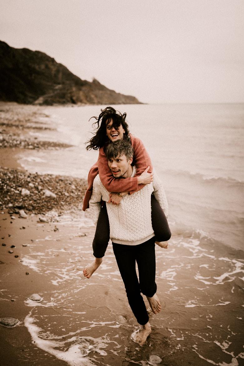 engagement session sur la plage Norlmandie Solveig & Ronan