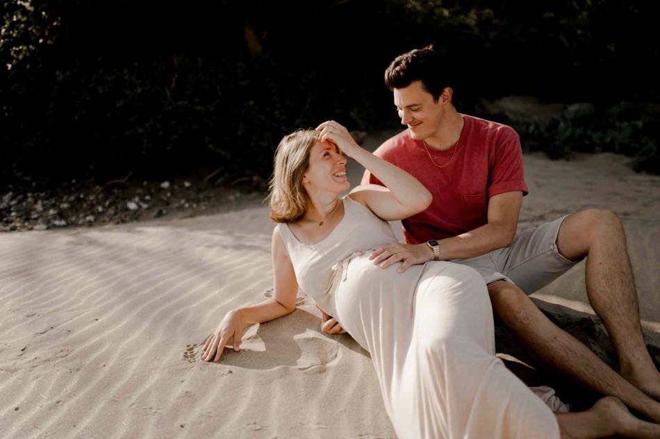 Photos grossesse dans le sable