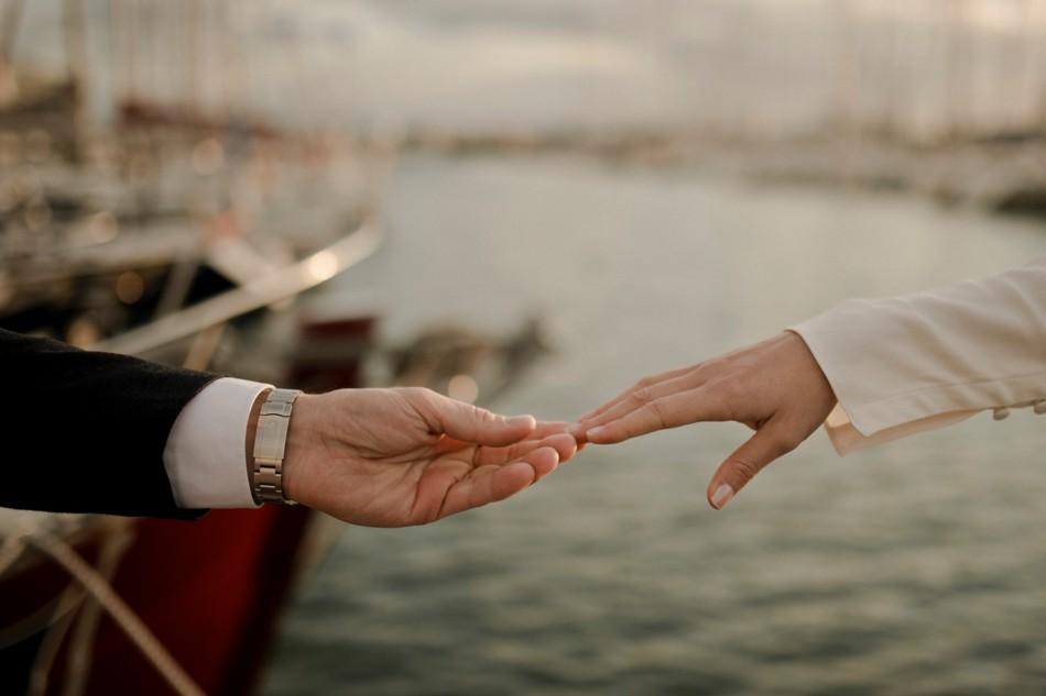 Photos de couple sur les côtes normandes