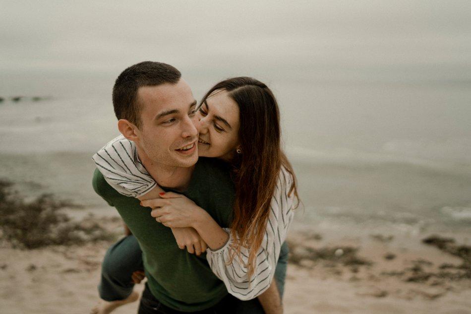 seance en amoureux dans le sable